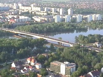 The number of sunny days is 2100 hours a year, therefore this town, at the junction of the rivers Tisza and Maros, is often called the