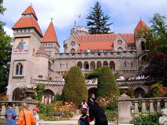 Bory-castle, Székesfehérvár