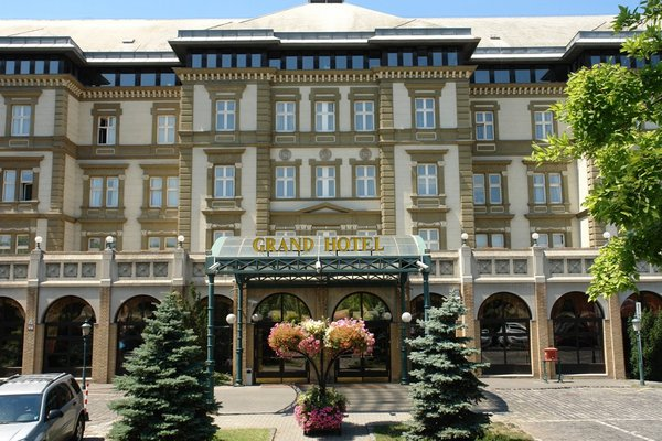 Danubius Grand Hotel Margitsziget was built in 1873 and fully restores in 1987 and in 2000 to traditional style and standards with modern equipment. Ramada.