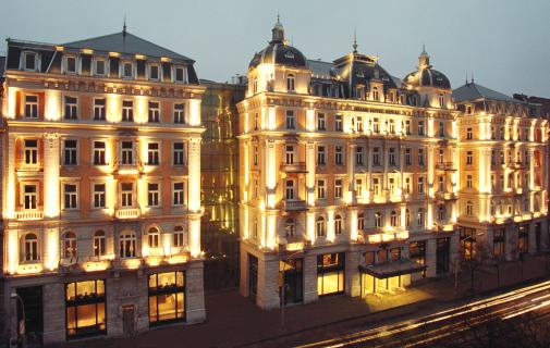 Conveniently located in the heart of Budapest on Erzsébet Boulevard, close to the shopping area and the main business district of Pest. The Grand Hotel Royal, a symbol of history, culture, architecture and the tradition of hospitality opens its doors in all its original splendour.